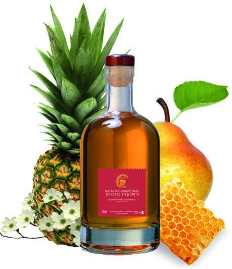 Le ratafia champenois Grandes Années Chardonnay est produit à Monthelon par le Champagne Julien Chopin